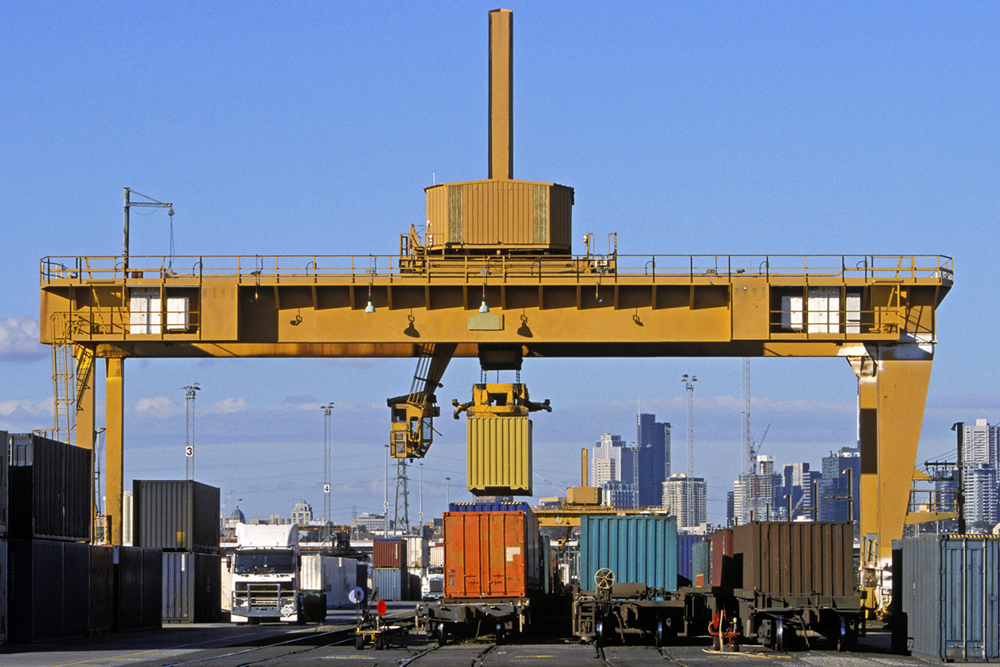 Intermodal is on the Rise. Here's Why you Should be Considering this Solution for Shipping Optimization.